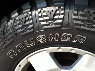 Crusher skull tires