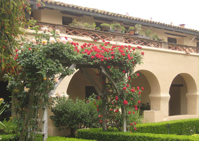 Arches and roses sta inez