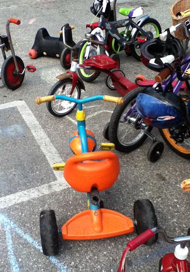 Orange and blue trike